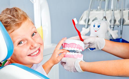 dca-blog_dental-fears-girl-teeth